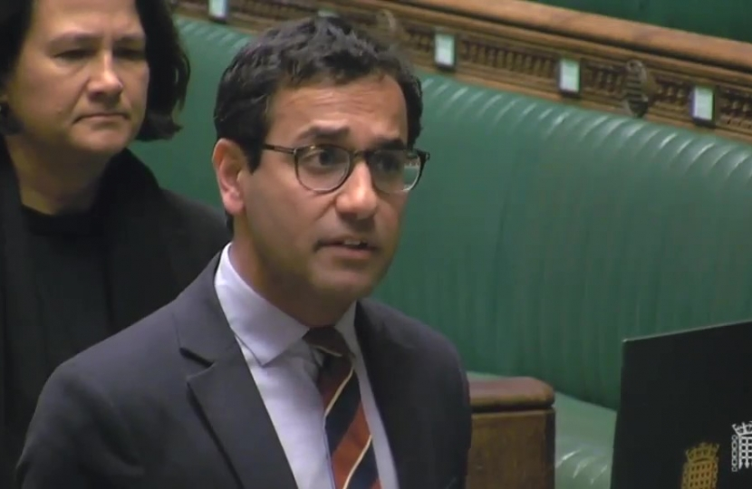 Rehman swearing his Oath in the House of Commons